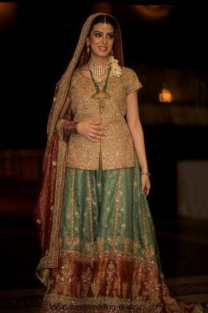 Pakistani-fashion-designer-Nilofer-Shahid-40